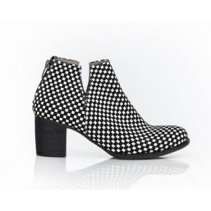 Dámske čierno-biele kožené topánky vzor šachovnica