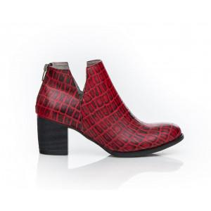 Kožené dámske čierno-červené topánky s moderným motívom