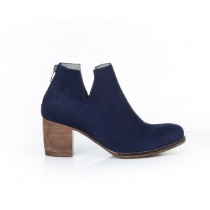 Tmavomodré dámske kožené členkové topánky