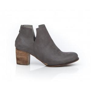 Sivé klasické kožené dámske členkové topánky