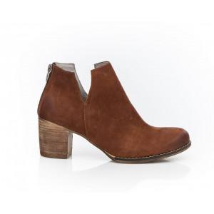 Hnedé dámske kožené členkové topánky