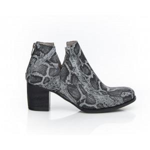 Kožené dámske topánky čierne vzor hadia koža