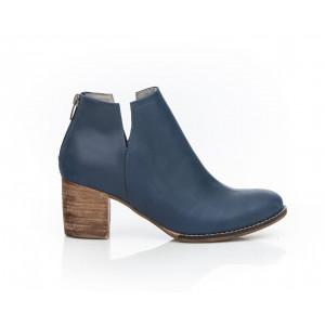 Tmavomodré členkové dámske topánky z pravej kože