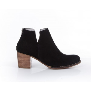 Čierne zamatové elegantné dámske kožené topánky