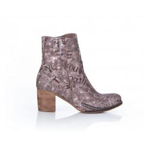 Štýlové dámske kožené topánky s potlačou písmen