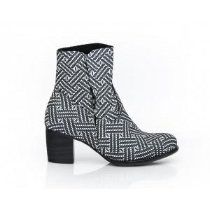 Krásne šedé vzorované kožené topánky pre dámy
