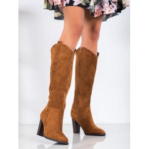 Štýlové hnedé čižmy pod kolená na opätku