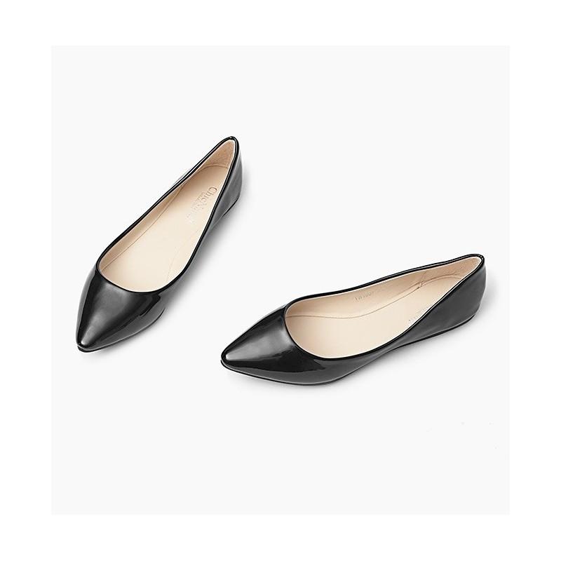 451bfbdc179ad Špicaté lesklé dámske balerínky čiernej farby - fashionday.eu