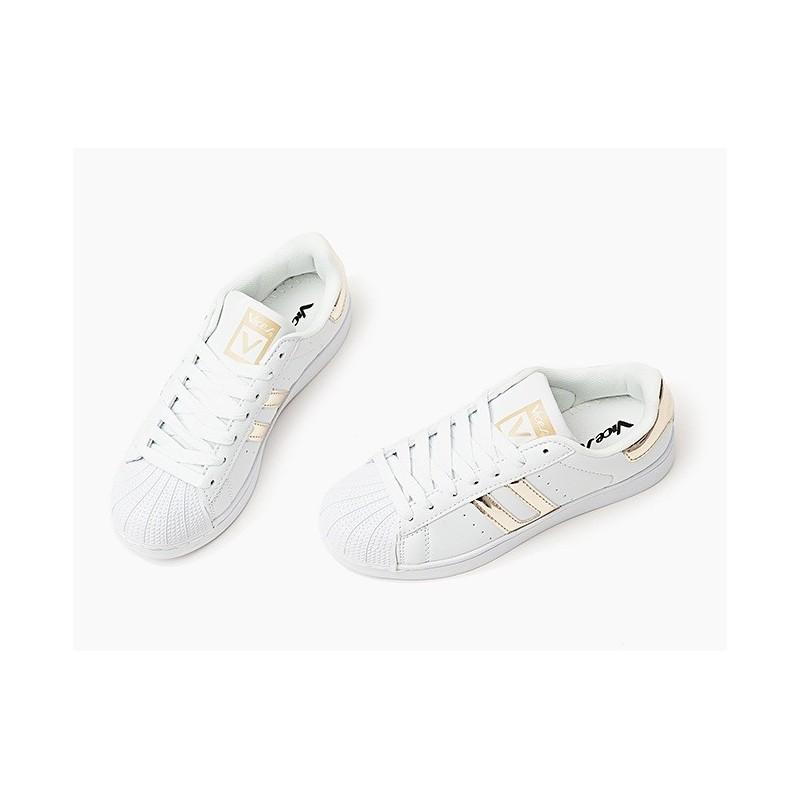 13b0b2c3d61f Komfortné biele dámske tenisky so vzorovanou špičkou - fashionday.eu