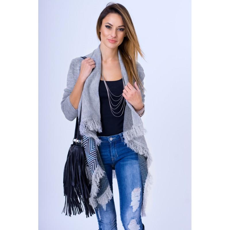 42525318800d Dlhší dámsky kardigán sivej farby so vzorom - fashionday.eu