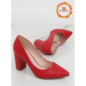 Krásne dámske červené lodičky na vysokom plnom opätku