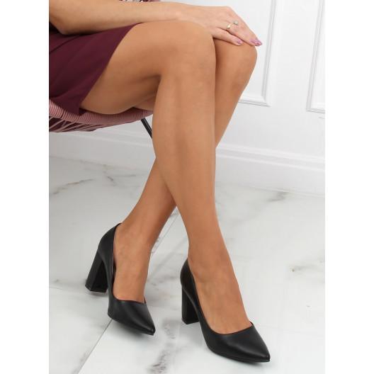 Trendy dámske čierne lodičky na módnom plnom opätku