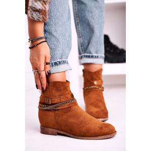 Koňakové hnedé dámske kotníkové topánky s ozdobnou retiazkou