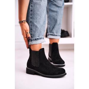 Dámske čierne semišové kotníkové topánky s vybíjaním