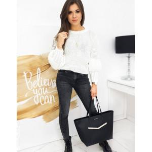 Nádherný dámsky smotanovo biely sveter s nadýchanými rukávmi