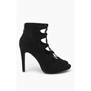Dámska obuv čiernej farby s vysokým opätkom