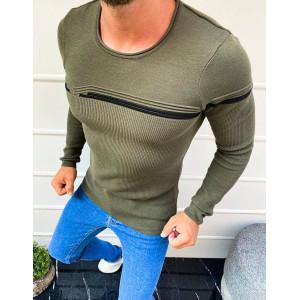 Pohodlný pánsky sveter v zelenej farbe