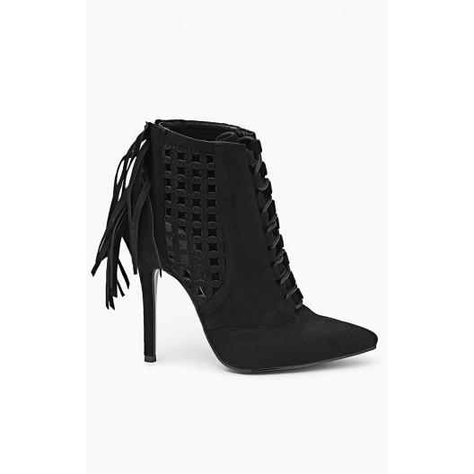 Dámske topánky čiernej farby s ozdobným dierkovaním