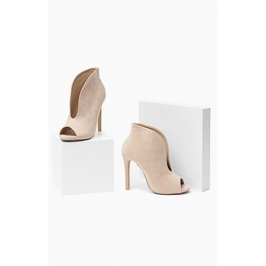 Moderné dámske topánky béžovej farby
