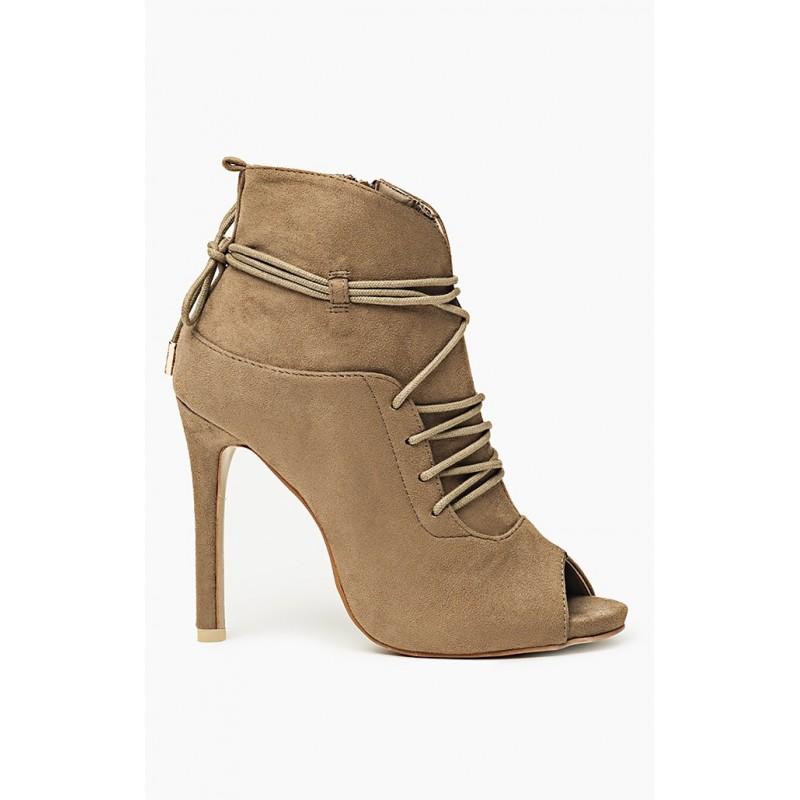 Dámska topánka s viazaním okolo nohy a otvorenou špičkou khaki farbe ... e9fbb8ace9c