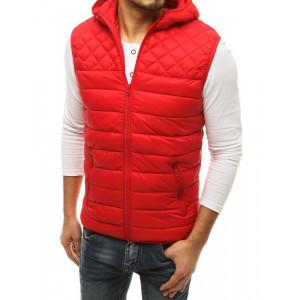 Krásna pánska vesta s kapucňou v červenej farbe