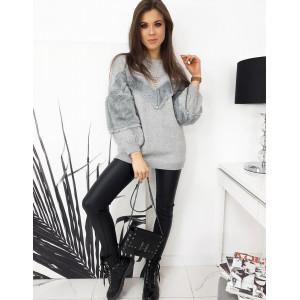 Svetlo sivý dámsky oversize sveter s kožušinou