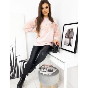 týlový dámsky sveter s kožušinou v módnej ružovej farbe