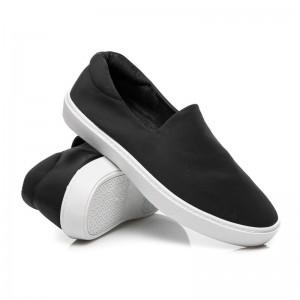 Klasická čierna dámska obuv na voľný čas