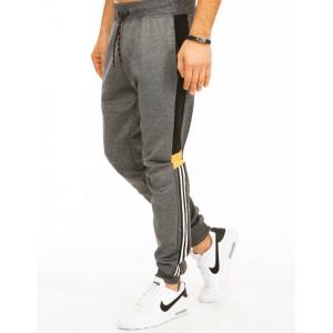 Pánske tepláky v sivej farbe s prúžkami v jogger štýle