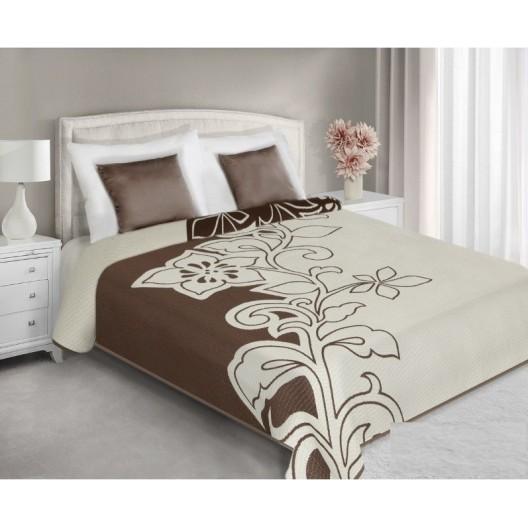 Krémovo hnedý prehoz na manželskú posteľ s potlačou kvetu