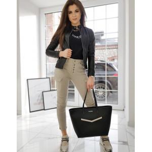 Stýlová dámska čierna kožená bunda klasického strihu so zapínaním na zips