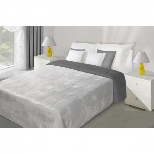 Obojstranný prešívaný prehoz na posteľ strieborno sivej farby