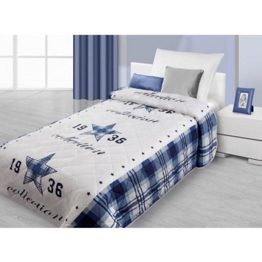Biely prehoz na posteľ s modrými károvanými krajmi