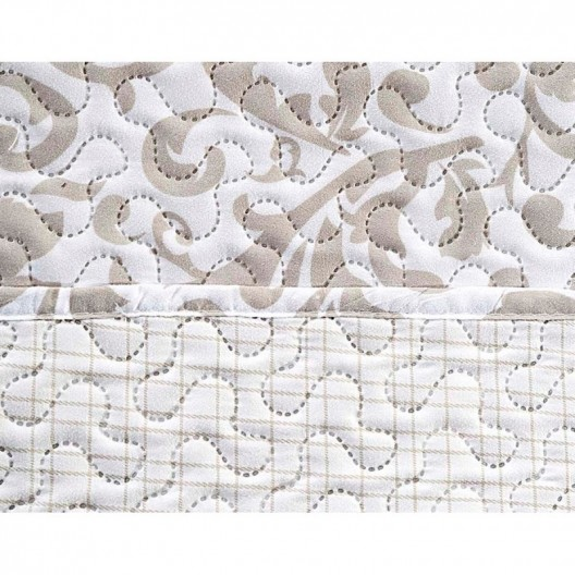 Prešívaný obojstranný prehoz bielej farby s béžovým abstraktným vzorom