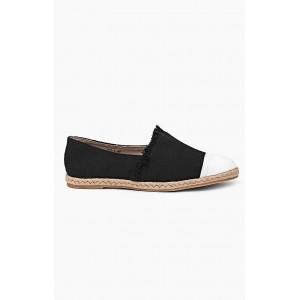Dámska obuv čiernej farby s bielou špičkou