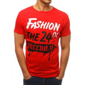 Pohodlné pánske tričko v červenej farbe s potlačou