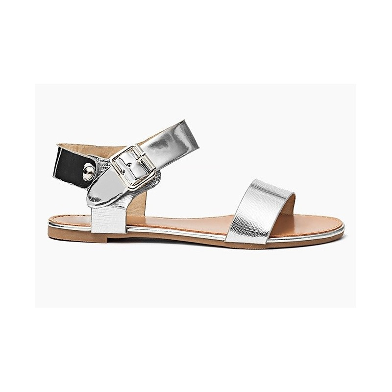 2cf5cdc70384 Strieborné dámske sandále s bočným zapínaním - fashionday.eu