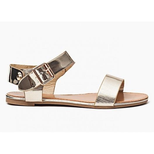 Trendy dámske sandále zlatej farby s bočným zapínaním