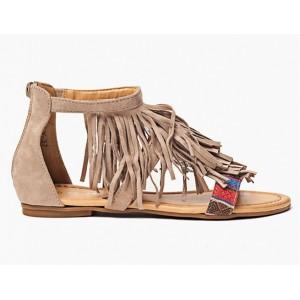 Dámske sandálky v béžovej farbe so strapcami
