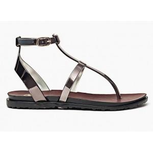 Dámske módne sandále striebornej farby s bočným zapínaním