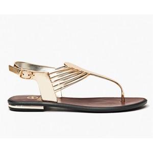 Nízke dámske sandále v zlatej farbe