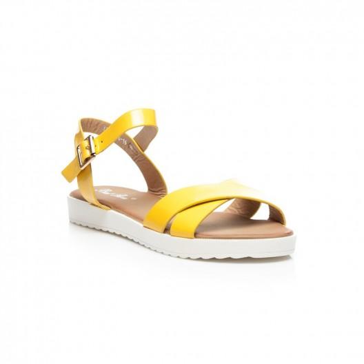 Trendy dámske sandále žltej farby