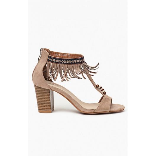 Sandále béžovej farby pre dámy so zdobenými strapcami