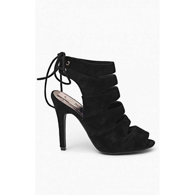 f09e7eaaa72b Predchádzajúci. Trendy čierne dámske sandále s ihlovým opätkom ...