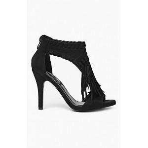 Štýlové čierne strapcové sandále pre dámy
