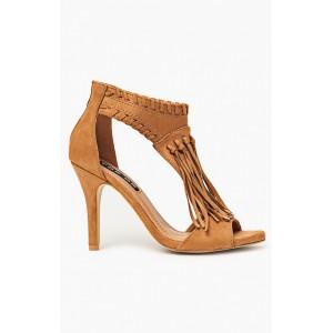 Spoločenské dámske sandále hnedej farby so strapcami na prednej strane
