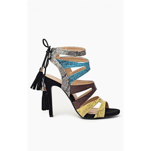 Letné dámske sandále čiernej farby s viazaním vzadu