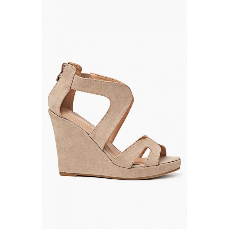 de95c730efb6 Elegantné béžové sandále pre ženy na platforme - fashionday.eu