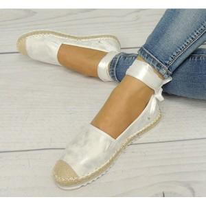 Dámske espadrilky v bielej farbe s viazaním okolo nohy
