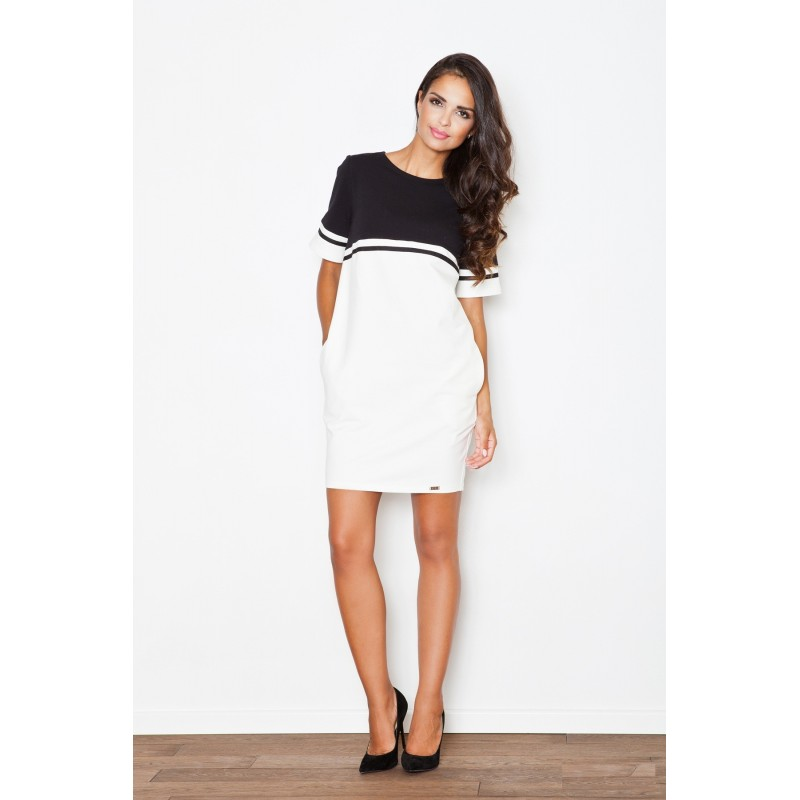 31c302069 Biele športové dámske šaty s čierným pásom - fashionday.eu
